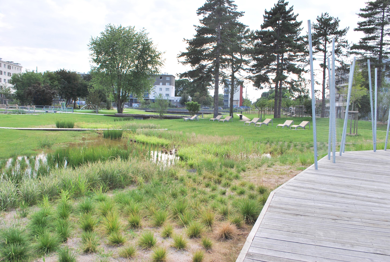 Ouverture du parc du quartier du bord de l eau for Piscine villeneuve le roi